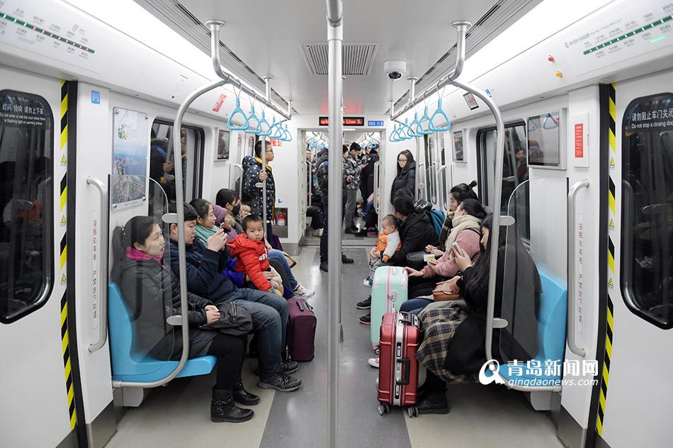 3号线半月载客215万 市民习惯地铁出行
