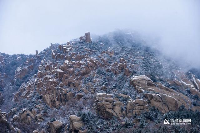 高清:雪中崂山似水墨画 2月青岛一派北国风光