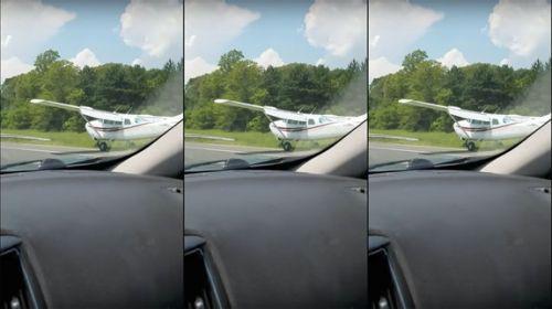美国高速公路突然迫降飞机 网友:技术真好(图)