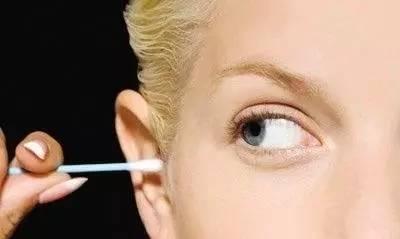 眉毫及耳毫象征长寿