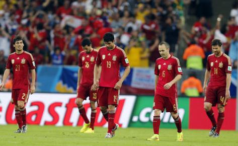 锋线主力迭戈·科斯塔在场上完全找不到感觉,他与全队脱离,在获得机会